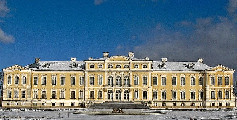Château de Rundale, Lettonie 800px-Rundale-palace