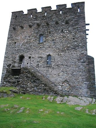 Dolwyddelan Castle - Dolwyddelan Castle's keep. The stairs lead to an entrance on the first floor.