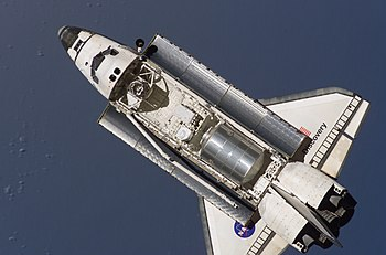 350px-STS-121_Discovery_approaching_ISS