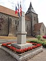 Saint-Christophe-du-Jambet (Sarthe) église et monument aux morts.jpg