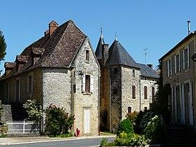 Dans le village de Saint-Martial-de-Nabirat.