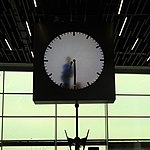 Schiphol clock jeh.jpg