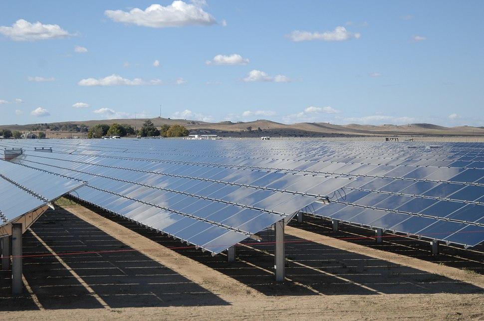 Solar Panels at Topaz Solar 1 (8159002527) (2)