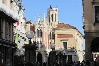 Pedrocchi Café - Image: South facade 2277