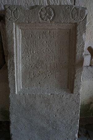 Legio XIII Gemina - Image: Stèle funéraire Lucius Autius 03193