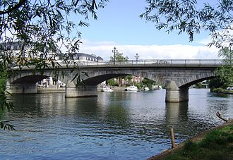 History of Staines-upon-Thames - Image: Staines Bridge 01
