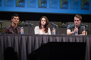 English: Taylor Lautner, Kristen Stewart and R...