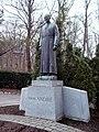 Statue Frere Andre 02.JPG