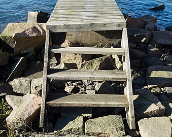Steps to jetty.jpg