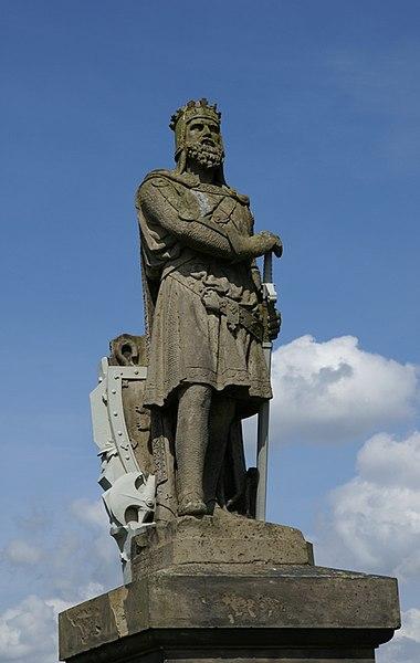 https://upload.wikimedia.org/wikipedia/commons/thumb/6/66/Stirling_Castle_20080505_Robert_the_Bruce.jpg/380px-Stirling_Castle_20080505_Robert_the_Bruce.jpg