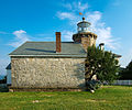 Stonington Harbor Lighthouse 2007 side view.jpg