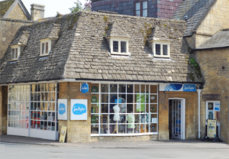 Sue Ryder (charity) - Sue Ryder shop at Moreton-in-Marsh