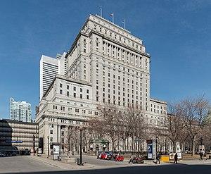 Sun Life Building - Image: Sun Life Building, Montréal, West view 20170410 1