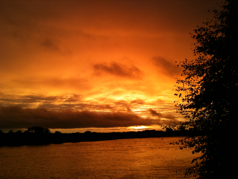File:Sunrise across River Corribh, Galway, Ireland.png