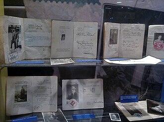 Finnish passport - Image: Suomen vanhojen passien kokoelma