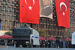 Taksim square cleaning. Events of June 16, 2013.jpg