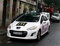Taxi parisien Peugeot, septembre 2013.JPG