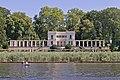 Teltowkanal 06 Griebnitzsee Blick auf Schlosspark Glienicke.jpg