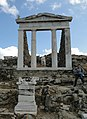 Temple of Isis, Delos 03.jpg