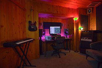 17 Hertz Studio - The Cabin Production Room