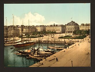 Le Havre in the late 19th century The Place Gambetta and docks, Havre, France-LCCN2001698147.jpg
