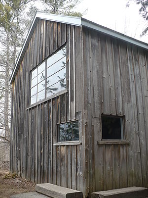 English: Tom Thomson cabin at the McMichael Ga...
