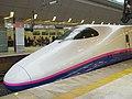Touhoku shinkansen @Tokyo (435238330).jpg