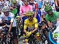 Tour de France 2019 - Maillot jaune sur la ligne de départ de la 19ème étape.JPG