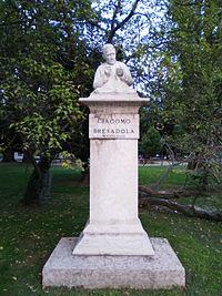 Trento - Piazza Dante - Busto Bresadola.jpg