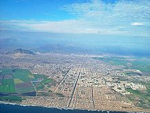 Buenos Aires beach seen from the air at 1.5 km distance aproximately, also it is seen the central part of the city