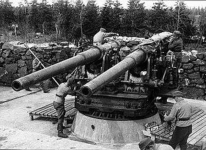 120 mm 50 caliber Pattern 1905 - An open twin-mount Pattern 1905 in Finnish service.