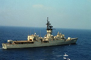 USS Joseph Hewes (FF-1078) underway at sea on 5 October 1984 (6391391)