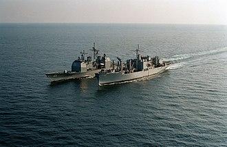USS Sylvania (AFS-2) - Image: USS Sylvania (AFS 2) replenishes USS Hue City (CG 66) in 1993