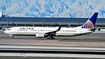 United Airlines Boeing 737-924-ER N53442 - 0442 (cn 33536-3027) (5307365554).jpg