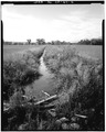 VIEW OF MID-POINT OF DITCH LOOKING SOUTH - Howard Ditch, East Boulder Community Park, Boulder, Boulder County, CO HAER COLO,7-BOUL,1-4.tif