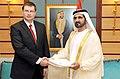 Valdis Dombrovskis tiekas ar AAE premjeru Mohamedu bin Rašidu Almaktūmu (6975391039).jpg