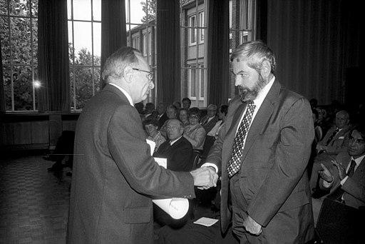 Verleihung Bernhard-Harms-Preis 1976 an den amerik. Wirtschaftswissenschaftler Prof. Harry Gordon Johnson (Kiel 67.688)