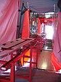 Verletzten-Transportsystem vom Abrollbehälter-Dekontamination-Zivilpersonen der Feuerwehr Hannover.jpg