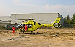 Verpleegkundige en arts stappen weer in de traumahelikopter.jpg