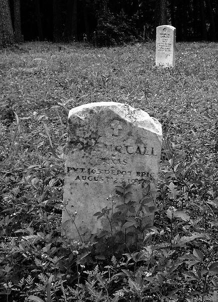 File:Veterans, Humble Negro Cemetery, Humble, Texas 0508101307BW (4591672579).jpg