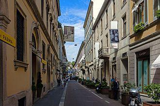 Quadrilatero della moda - Image: View north along Via Gesù, Milan