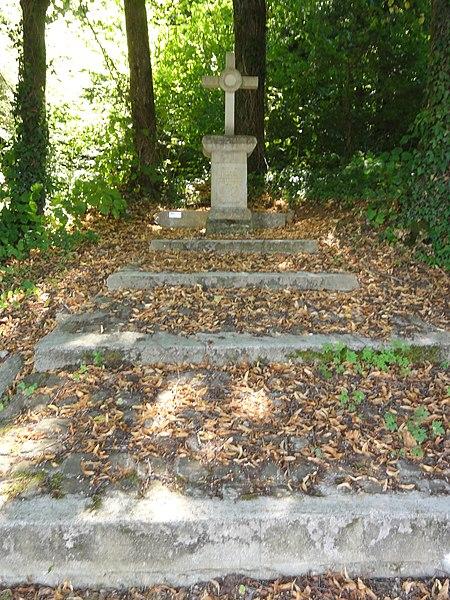 Ville-Houdlémont (Meurthe-et-M.) croix de chemin