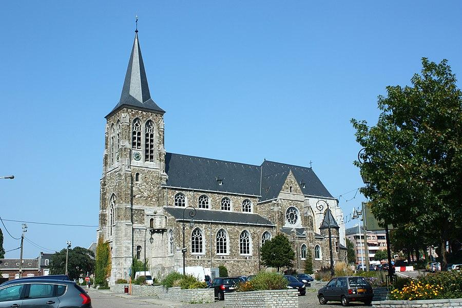 L'Église Saint-Martin située à Visé, dans la province de Liège, en Belgique. Le chœur de l'église est un monument classé n°62108-CLT-0002-01.