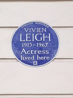 English Heritage blue plaque at Leigh's final home at 54 Eaton Square in Belgravia Vivien Leigh blue plaque.jpg