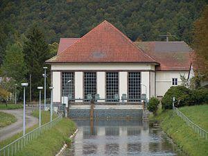 Hydropower plant Fridingen Kraftwerkgebaeude.jpg