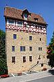 Weikersheim-Laudenbach im Vorbachtal. Das hoch aufragende Renaissance-Schloss.JPG