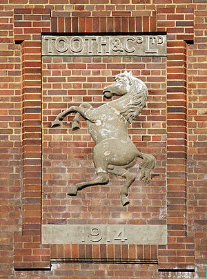 Tooth and Co. - Image: White horse mittagong