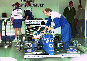 Williams FW16 - FW16 of Damon Hill in the pit garage at the 1994 British Grand Prix