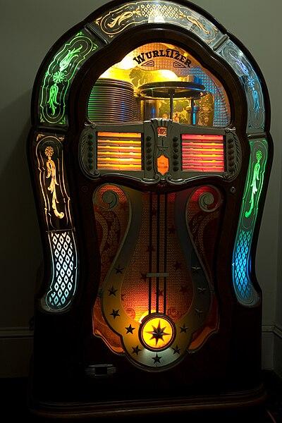 Jukebox collection for sale 400px-Wurlitzer_1080_Jukebox_%281947%29
