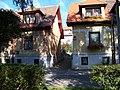 Xaveriova, ulička mezi domy č. o. 94 a 92.jpg